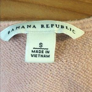Banana Republic Tops - Banana Republic boho rose pink crochet sweatshirt